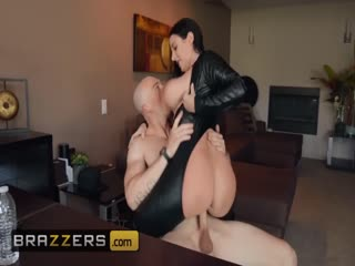 Brazzers - PAWG Angela White loves anal and latex