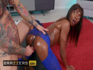 Brazzers - Ebony babe Ana Foxxx oiled up & fucked in the ass